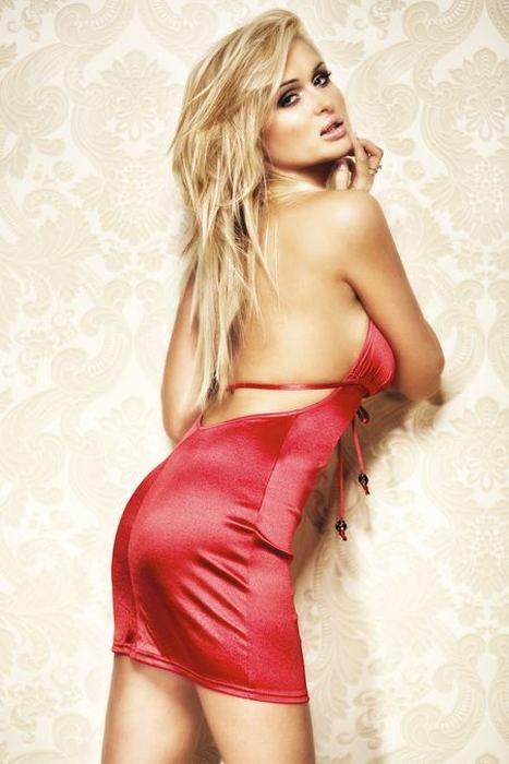 Платье атласное красное